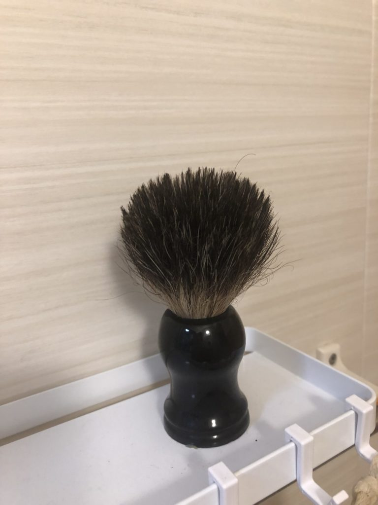 髭剃りブラシ